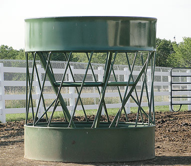Selecting a round-bale feeder - Progressive Cattle