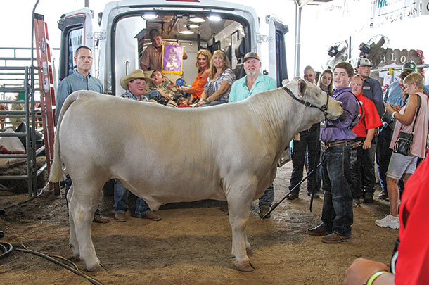 Case Beken and family with Casper the Grand Champion